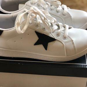 QUPID star sneaker